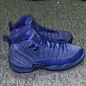 I'm selling the deep royal blue 12's